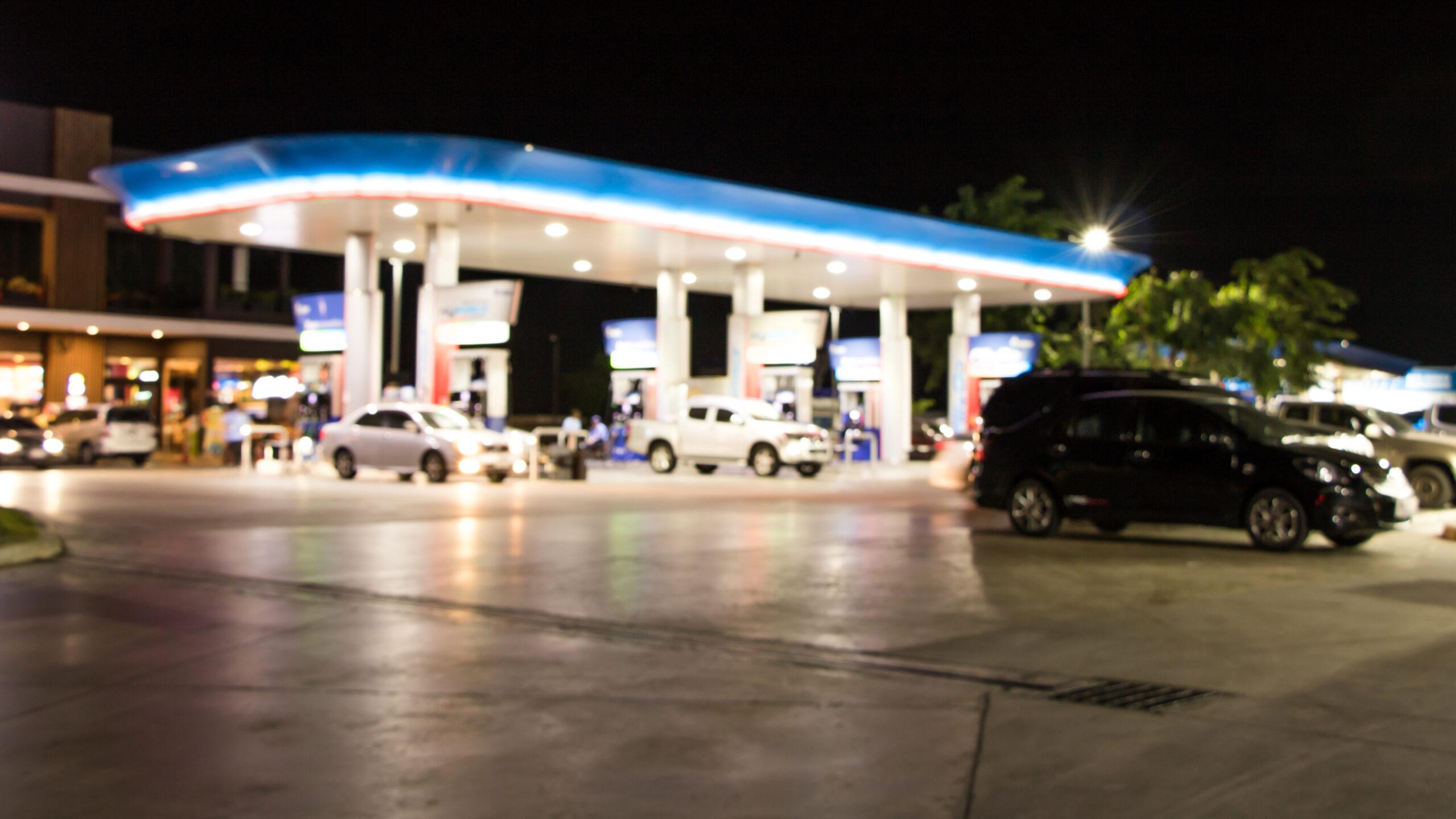Cliente dá preferência a bandeira de posto de gasolina no momento de abastecer o seu veículo