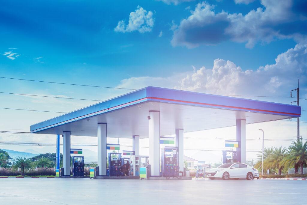 Desenho de um post de combustíveis.